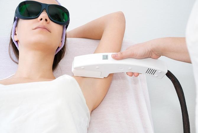 Dauerhafte Haarentfernung bei DRN Dermatologie in Sopron