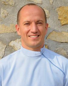 Dr. Kereszty Implantologe – Fachzahnarzt bei DRN Dental Sopron